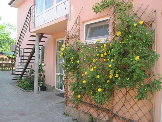 Мини-отель  посуточно в Бердянске. ул. Петровского, 55. Фото 1