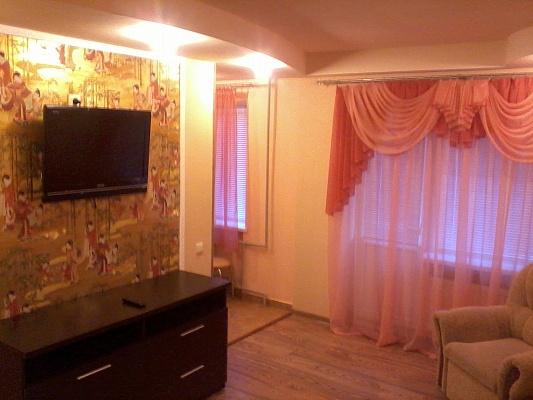 1-комнатная квартира посуточно в Алчевске. ул. Ленина, 11. Фото 1