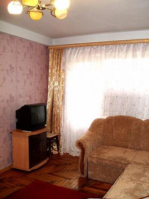 2-комнатная квартира посуточно в Запорожье. Жовтневый район, ул. Гоголя, 169. Фото 1
