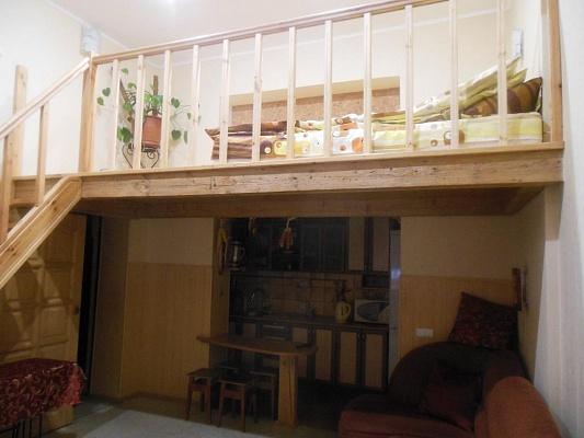 2-комнатная квартира посуточно в Львове. Галицкий район, пр-т Шевченко, 3. Фото 1