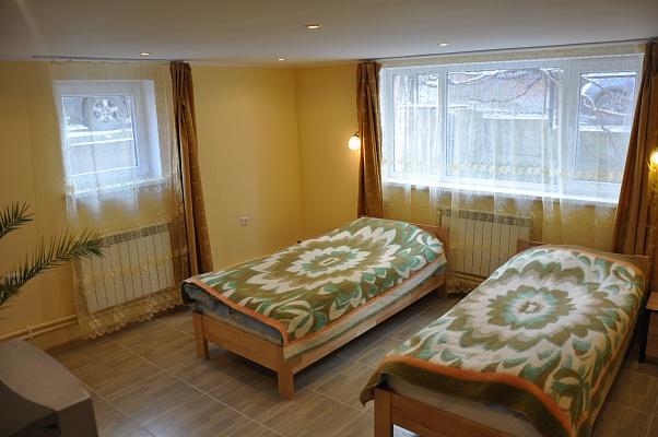 3-комнатная квартира посуточно в Трускавце. ул. Довбуша, 4. Фото 1