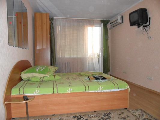 1-комнатная квартира посуточно в Николаеве. Центральный район, пр-т Героев Сталинграда, 77. Фото 1