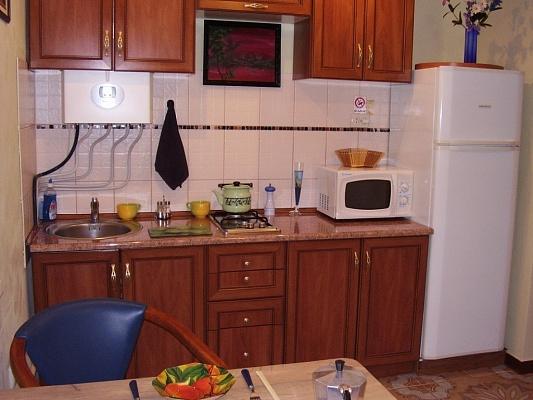 1-комнатная квартира посуточно в Измаиле. пл. Мира, 35. Фото 1