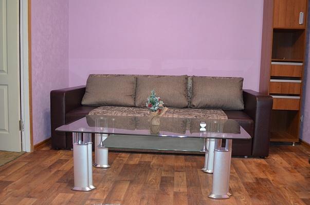 2-комнатная квартира посуточно в Кривом Роге. Центрально-Городской район, ул. Харитонова, 12. Фото 1
