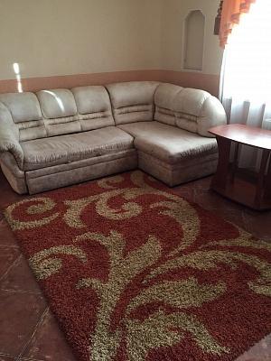 2-комнатная квартира посуточно в Кривом Роге. Саксаганский район, пр-т Гагарина, 25. Фото 1