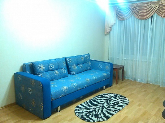1-комнатная квартира посуточно в Днепропетровске. Красногвардейский район, ул. Академика Янгеля, 3. Фото 1