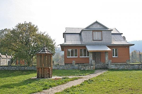 Дом  посуточно в Шешорах. ул. Тихая, 8. Фото 1