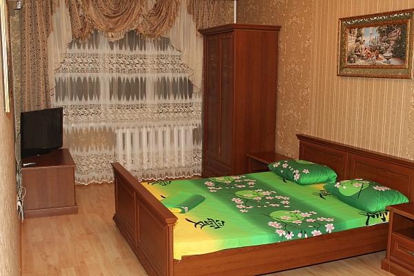 1-комнатная квартира посуточно в Киеве. Оболонский район, пр-т Оболонский, 36д. Фото 1