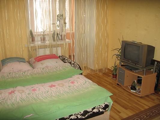 1-комнатная квартира посуточно в Луцке. ул. Зацепы, 3-Д. Фото 1