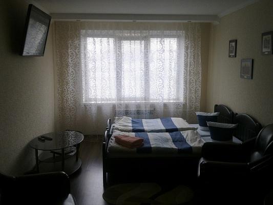 1-комнатная квартира посуточно в Ровно. ул. Кн. Владимира, 112в. Фото 1