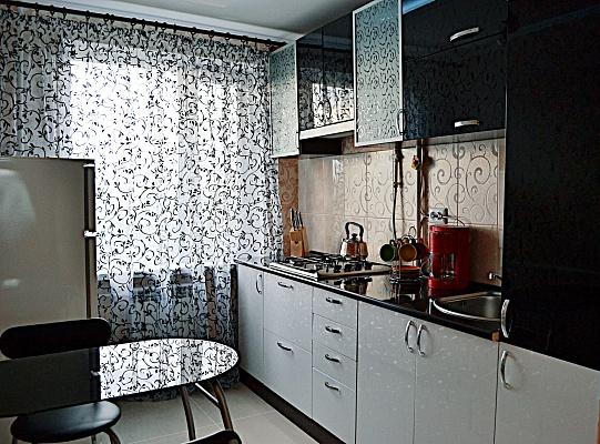 2-комнатная квартира посуточно в Николаеве. Центральный район, ул. Комсомольская, 5. Фото 1