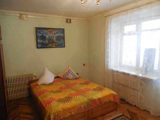 2-комнатная квартира посуточно в Трускавце. ул. Стебницкая, 70. Фото 1
