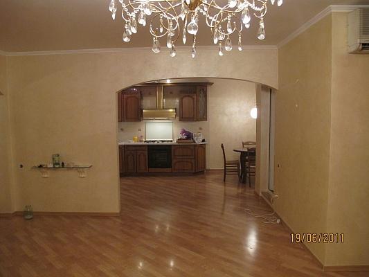 4-комнатная квартира посуточно в Одессе. Приморский район, Фонтанская дорога, 55. Фото 1