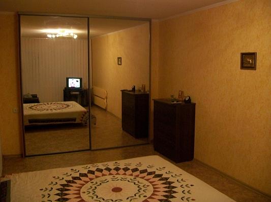 1-комнатная квартира посуточно в Запорожье. Хортицкий район, ул.14-го Октября, 3. Фото 1