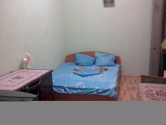 1-комнатная квартира посуточно в Алуште. ул. Ялтинская, 17. Фото 1