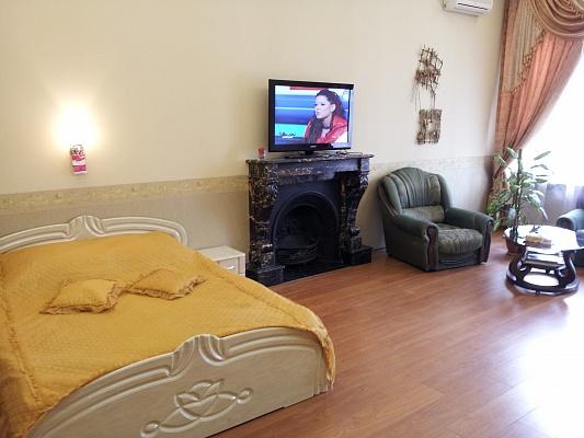 2-комнатная квартира посуточно в Одессе. Приморский район, ул. Ланжероновская, 26. Фото 1