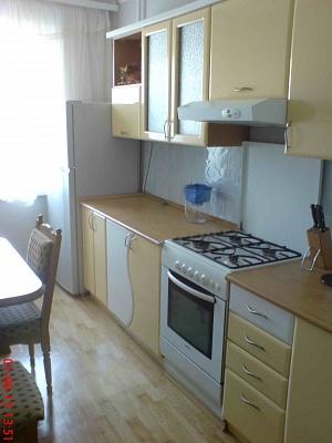 2-комнатная квартира посуточно в Севастополе. Гагаринский район, пр-т Октябрьской революции, 26. Фото 1