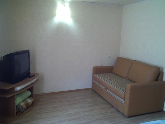 1-комнатная квартира посуточно в Симферополе. Центральный район, пр. Зеркальный, 7. Фото 1