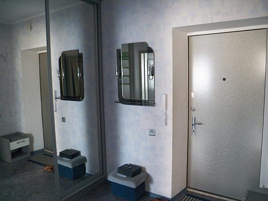 1-комнатная квартира посуточно в Ильичёвске. Пригород район, ул. Героев Сталинграда, 1Б. Фото 1