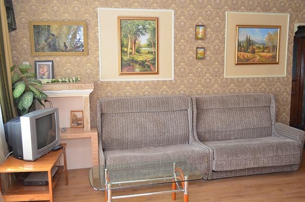 3-комнатная квартира посуточно в Херсоне. Суворовский район, ул. Красностуденческая, 22. Фото 1