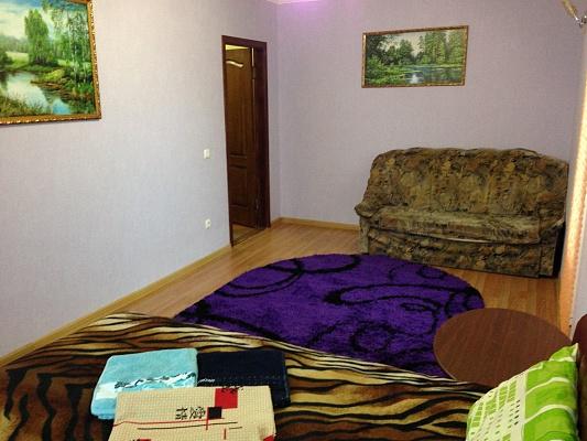 1-комнатная квартира посуточно в Белгороде-Днестровском. ул. Южная, 23. Фото 1