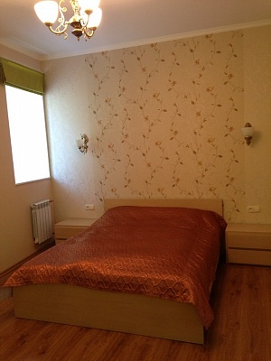 2-комнатная квартира посуточно в Севастополе. Нахимовский район, ул. Воронина, 9. Фото 1