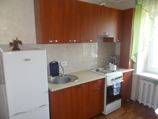 1-комнатная квартира посуточно в Хмельницком. пер. Шевченка, 1. Фото 1