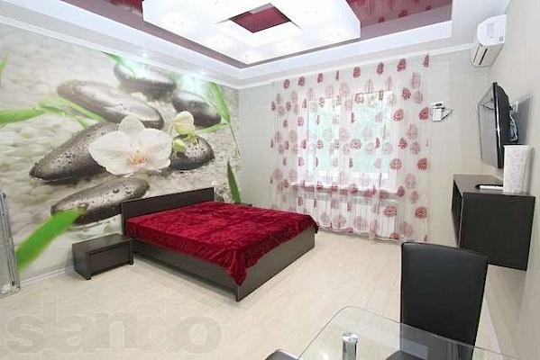 1-комнатная квартира посуточно в Феодосии. ул. Федько, 39. Фото 1