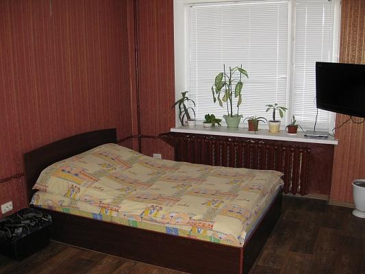 1-комнатная квартира посуточно в Чернигове. Новозаводской район, ул. И.Мазепы (Щорса), 2-А. Фото 1