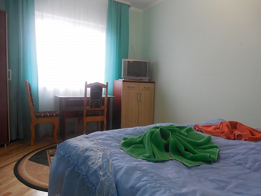 2-комнатная квартира посуточно в Трускавце. ул. Бориславская, 23. Фото 1