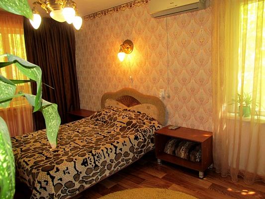 1-комнатная квартира посуточно в Николаеве. Корабельный район, ул. Космонавтов, 49. Фото 1