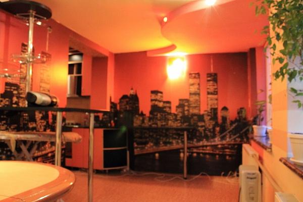 2-комнатная квартира посуточно в Харькове. Киевский район, ул. Героев Труда, 12. Фото 1