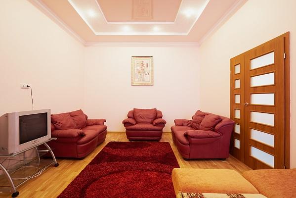 2-комнатная квартира посуточно в Львове. Галицкий район, ул. Ш. Руставелли, 36. Фото 1