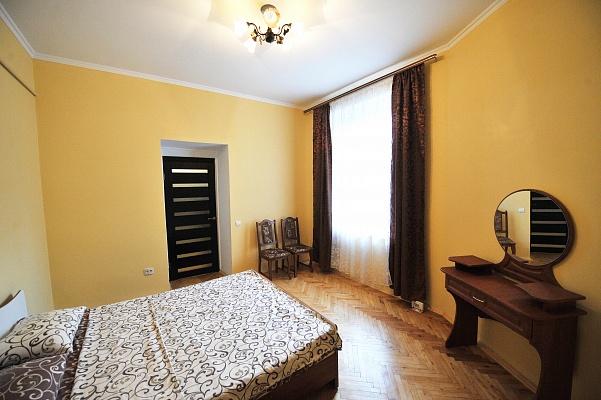2-комнатная квартира посуточно в Львове. Галицкий район, ул. Я. Мудрого, 6. Фото 1