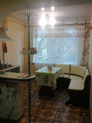 1-комнатная квартира посуточно в Измаиле. пр-т Ленина, 29. Фото 1