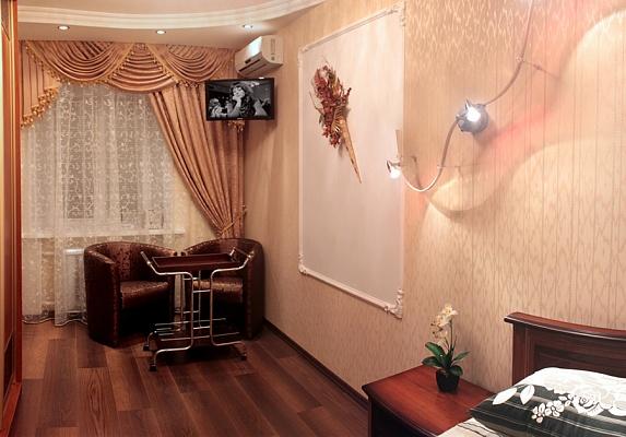 1-комнатная квартира посуточно в Полтаве. Октябрьский район, ул. Стретенская (Комсомольская), 39. Фото 1