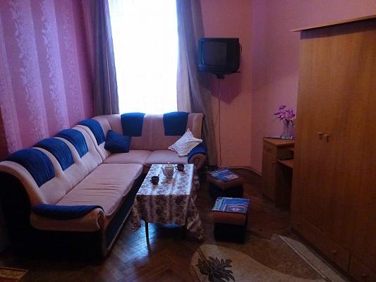 1-комнатная квартира посуточно в Львове. Галицкий район, ул. Пильникарская, 10. Фото 1