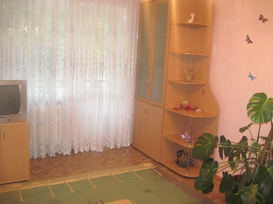 2-комнатная квартира посуточно в Луцке. ул. Генерала Шухевича, 3. Фото 1
