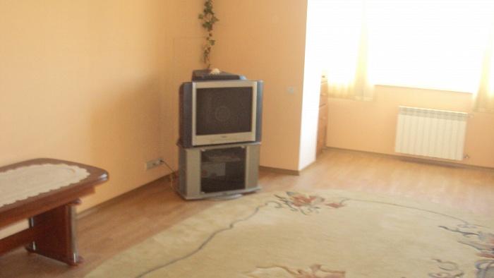 1-комнатная квартира посуточно в Каменце-Подольском. Пр. Грушевского. Фото 1