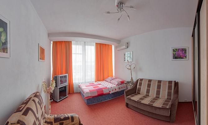 1-комнатная квартира посуточно в Киеве. Голосеевский район, ул. Красноармейская, 54. Фото 1
