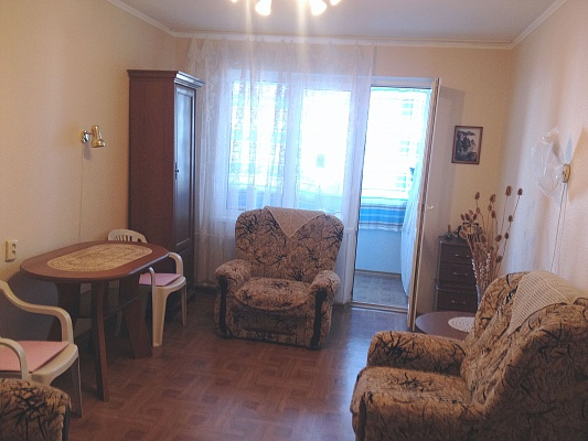 1-комнатная квартира посуточно в Алуште. ул. Морская, 11. Фото 1