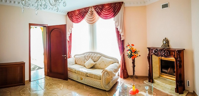 3-комнатная квартира посуточно в Партените. ул. Победы, 3. Фото 1