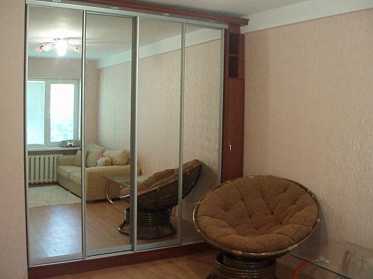 1-комнатная квартира посуточно в Севастополе. Гагаринский район, ул. Юмашева, 16. Фото 1