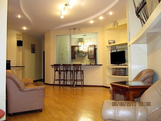 3-комнатная квартира посуточно в Одессе. Приморский район, Французский бульвар А, 49. Фото 1