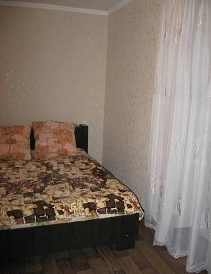 2-комнатная квартира посуточно в Северодонецке. ул. Маяковского, 21Б. Фото 1