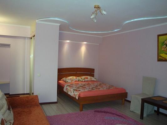 1-комнатная квартира посуточно в Мариуполе. ул. Ленина, 106. Фото 1