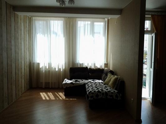 1-комнатная квартира посуточно в Севастополе. Гагаринский район, пр-т Античный, 52. Фото 1