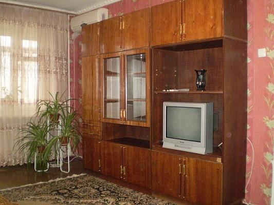 2-комнатная квартира посуточно в Одессе. Малиновский район, ул. Космонавтов. Фото 1