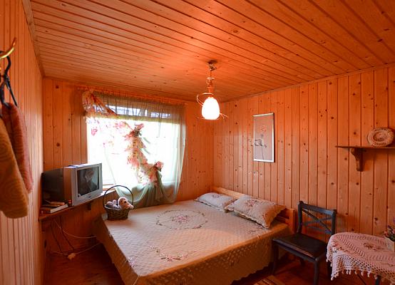 Дом  посуточно в Лебедевке. ул. Дачная, 121. Фото 1