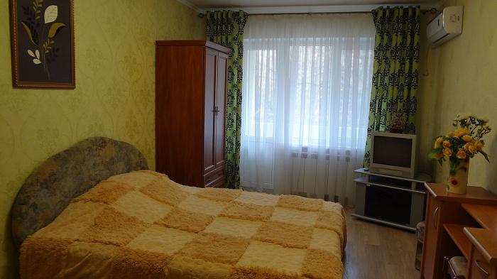 1-комнатная квартира посуточно в Одессе. Киевский район, ул. Академика Глушко, 24а. Фото 1